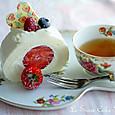 苺とマスカルポーネのホワイトロール(カット)