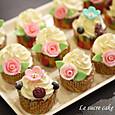 ミニ薔薇のカップケーキ(メープル&マスカルポーネ)