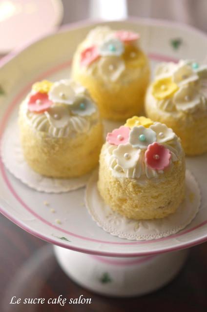 お花畑のプチケーキ